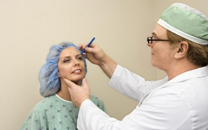 Finding the Right Surgeon for Your Facelift